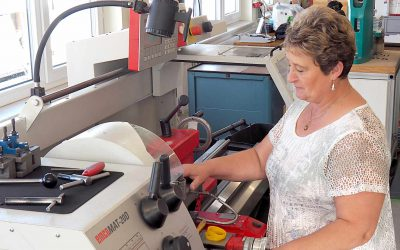Langjährige Mitarbeiterin bei asma Kunststofftechnik PUR